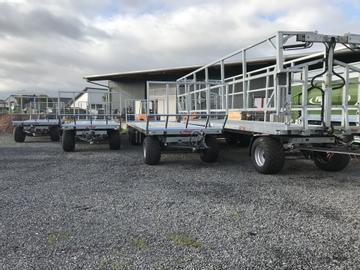 Fliegl Ballentransportwagen DPW 210 BL mit Breitreifen und Ladungssicherung