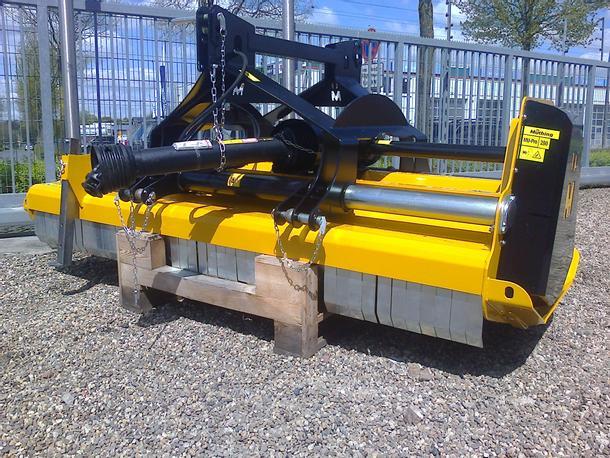 MU-Pro 280 Front- u.Heckanbau hydr.Verschiebung