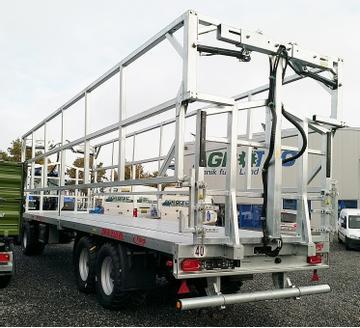 Fliegl Ballentransportwagen DPW 210 BL Dreiachser 40 km