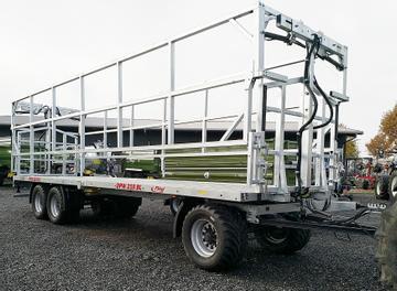 Fliegl Ballentransportwagen DPW 210 BL 40 km mit Breitreifen