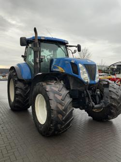 New Holland T 7050 AutoCommand
