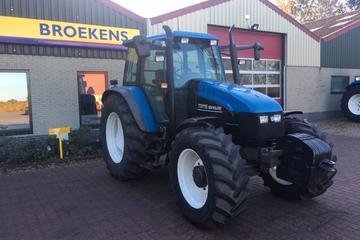 New Holland TS 115