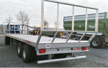Fliegl Ballentransportwagen DPW 180 B 40 km mit Breitreifen